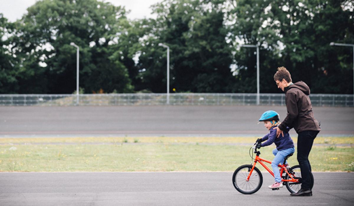 بهترین سن برای یادگیری دوچرخه سواری
